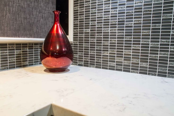 Contemporary kitchen. Tile splashback. www.thekitchendesigncentre.com.au