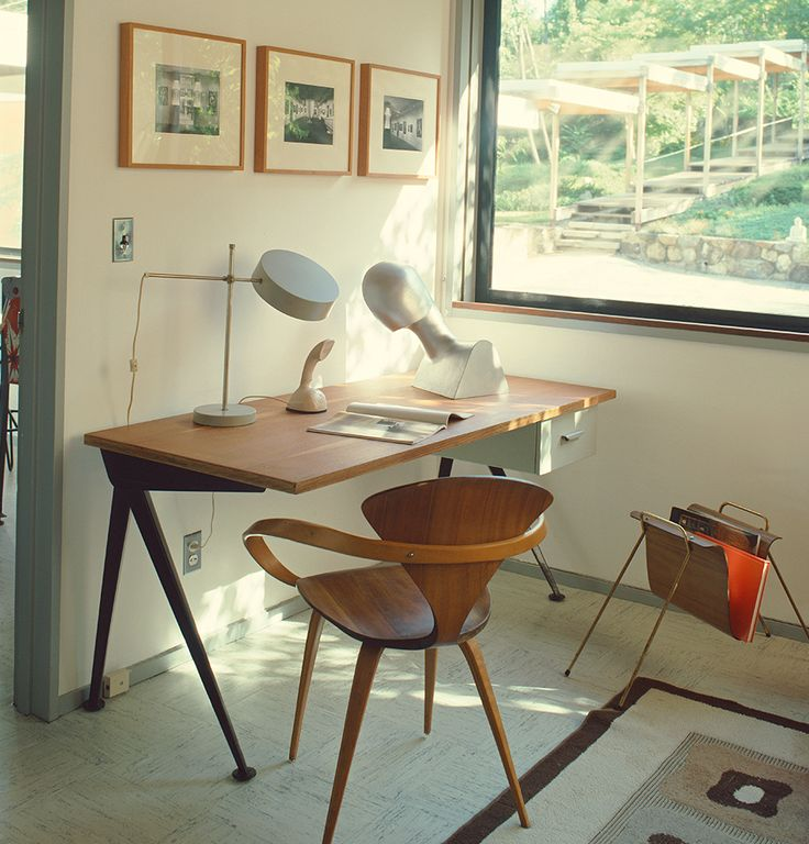 """The Coiner of """"Mid-Century Modernism'"""" Recalls the Movement's First Comeback — 1stdibs Introspective"""