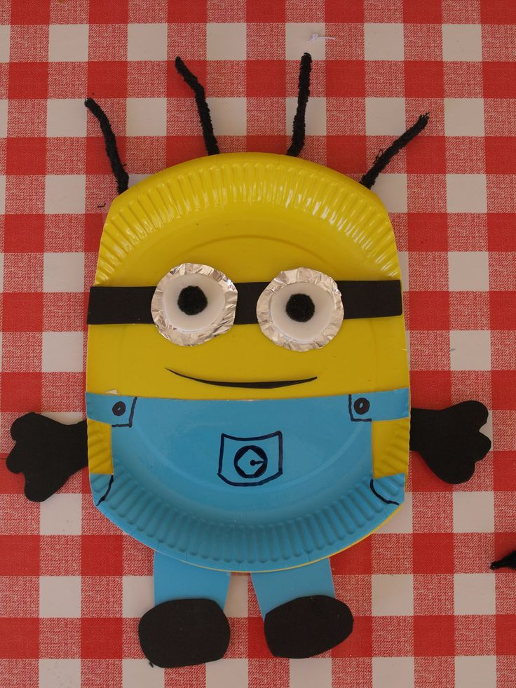Paper Plate Minion Craft. An easy craft for kids Kid crafts kid craft ideas #kids #craft