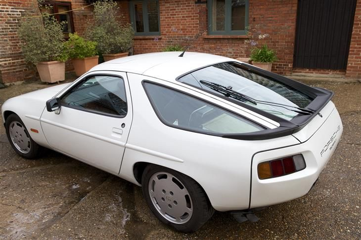 1986 Porsche 928  Maintenance/restoration of old/vintage vehicles: the material for new cogs/casters/gears/pads could be cast polyamide which I (Cast polyamide) can produce. My contact: tatjana.alic@windowslive.com