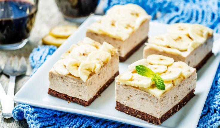 Rezept für einen leichten Low Carb Bananen-Frischkäse-Kuchen: Der kalorienarme Frischkäse-Kuchen mit Bananen wird nicht gebacken und ist ohne Zucker und Getreidemehl zubereitet. Er ist kohlenhydratarm ...