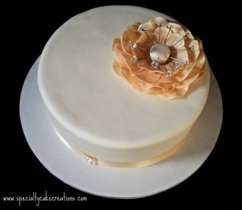 Small Wedding Cake with Ivory Fantasy Flower
