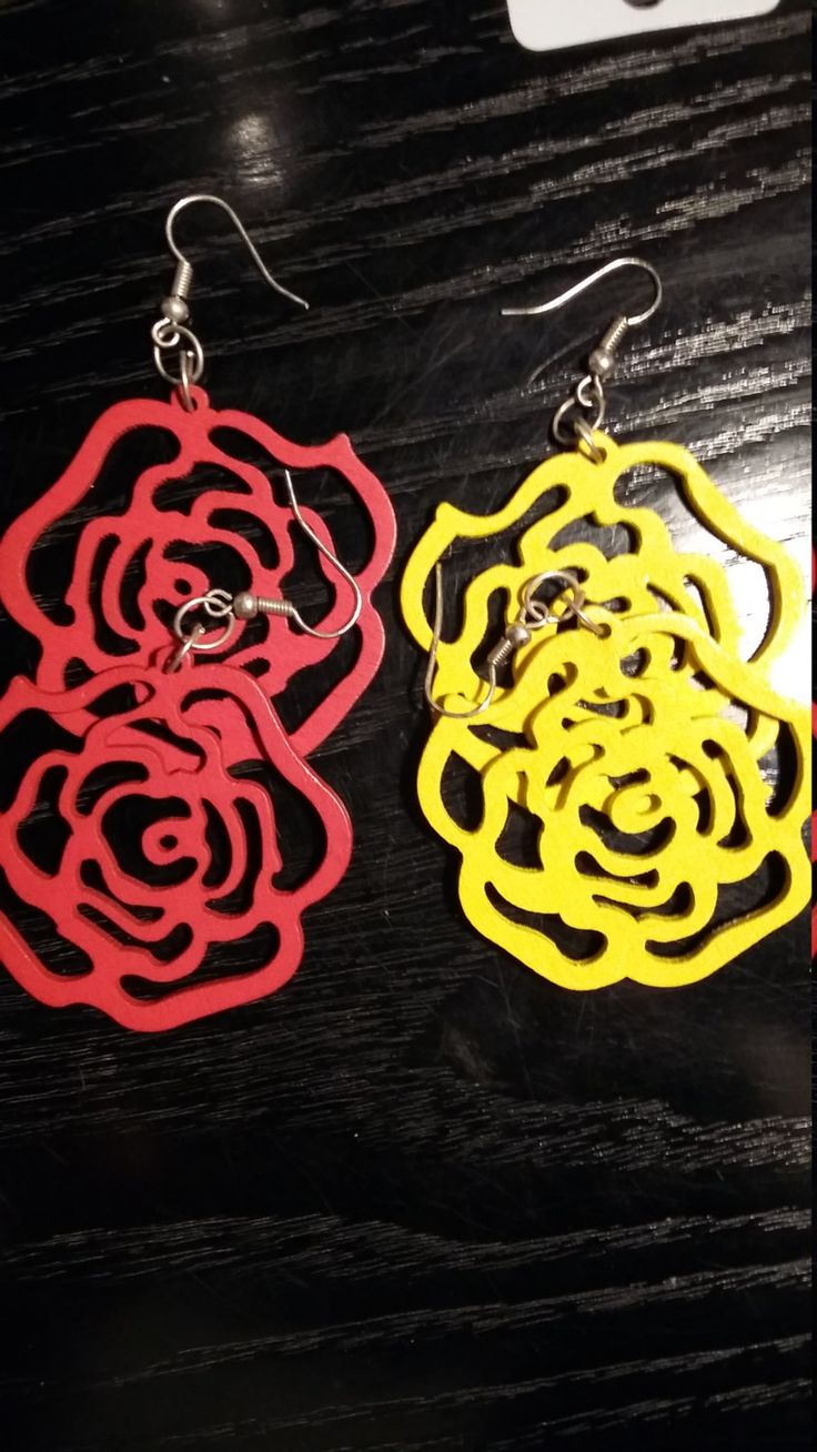wooden roses earing by aggelinokosmos on Etsy