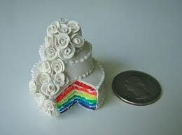 bolo de casamento arco-íris
