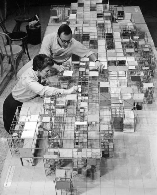"""In the 1950s George Nelson developed the """"Experimental House"""", a modular system of cubic volumes with Plexiglas roof domes which owners could assemble into personal habitations according to their own spatial requirements. (Exhibition: George Nelson at Vitra Design Museum)"""