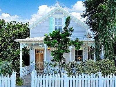 Key West house rental - This charming 2.5 bedroom cottage is in the middle of Old Town on Solares Hill.