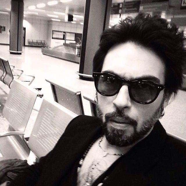 Italian singer Francesco Sarcina wearing Polluce by EPOS Eyewear! #sunglasses #celebs #music