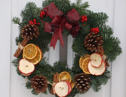DIY Festive Christmas Wreath