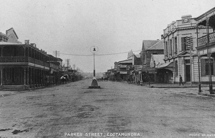 Looking down Parker Str. in Cootamundra.  Year unknown but the main street isn't sealed.