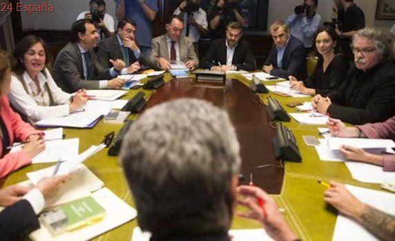 PSOE, Podemos y Cs acuerdan llamar a Bárcenas antes que a Rajoy al Congreso