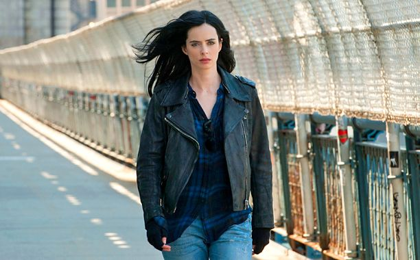 Jessica Jones has garnered rave reviews from fans and critics alike, most of whom have praised its faithful comic adaptation and expert handling of sensitive storylines such as rape and abuse. But fans also latched onto something else: the titular character's choice of outfit, an unusual style that's not at all like the superheroes we've come to know and love.