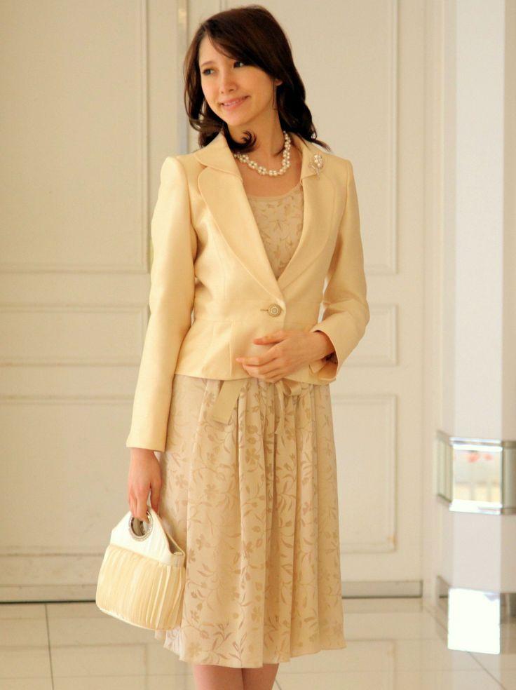 シャンタンジャケットとオパール素材の花柄ワンピーススーツ *結婚式 華やかスーツ 女性一覧*