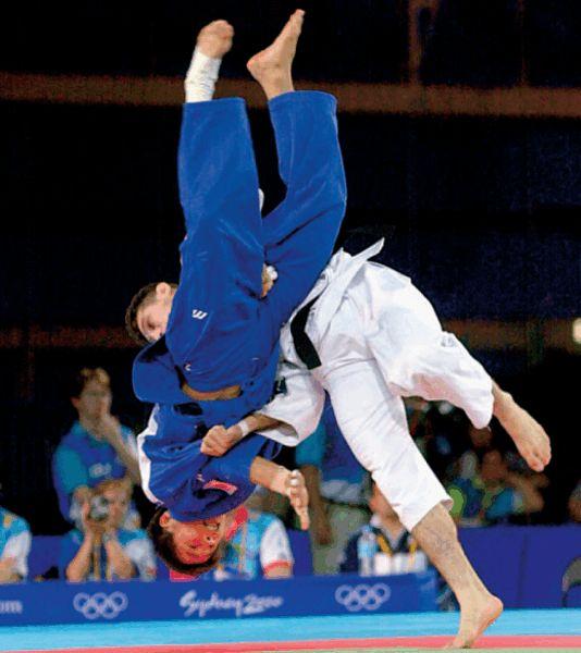 Tanto para los atletas de judo de elite como para los atletas de judo recreacionales, el entrenamiento de la fuerza y el acondicionamiento es esencial para la prevención de lesiones y para mejorar el rendimiento. El presente artículo ofrece sugerencias para los atletas y entrenadores del judo para el...