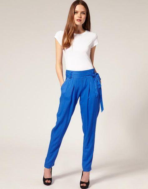 Que Colores Combinar Con Un Pantalon Azul Electrico Fashion Electric Blue Pants Peg Pants