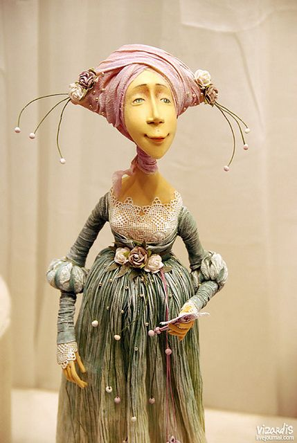 DSC_5310_sv by Happydolls, via Flickr-----  Searching for the name of the artist.