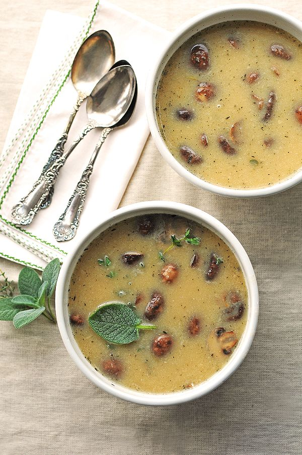 Easy and Light! White Bean and Roasted Mushroom Soup