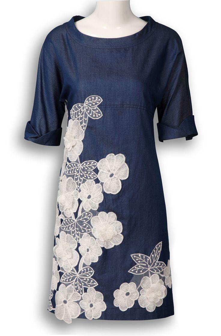 Blue Round Neck Short Sleeve Embroidery Silk Dress