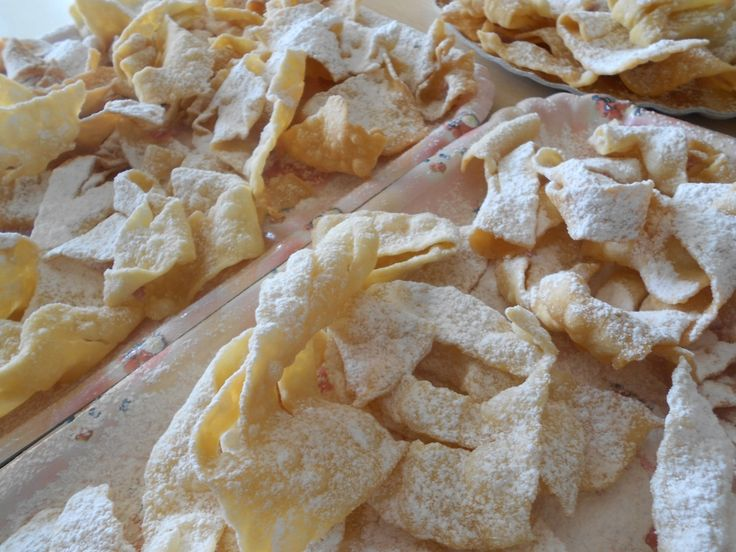 Chiacchiere di Carnevale (fritte e al forno)