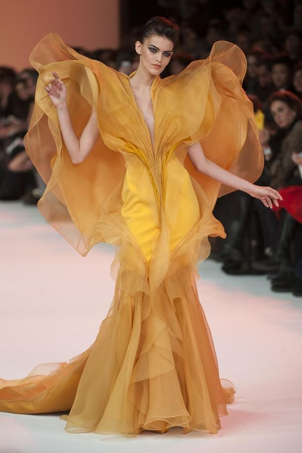 Detailed photos of Stephane Rolland Haute Couture Spring 2014