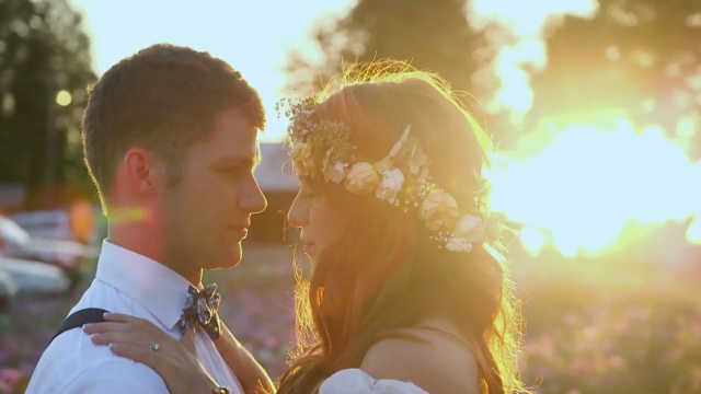 In this full episodes of Little People, Big World, Jeremy Roloff and Audrey Botti get married. Watch their wedding in this Little People, Big World episode