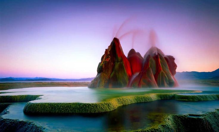 Destinos con montañas caleidoscopicas, aguas pastel, cuevas espejeadas y paisajes bicolor que te provocarán sentirte en un viaje más allá de lo real.