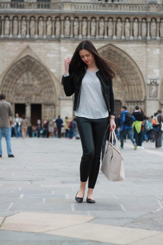 http://fashionfeedsme.net/2014/11/visiting-paris-i/