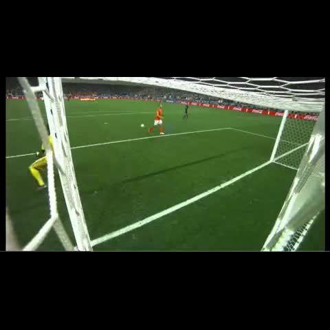 Ron Vlaar's Penalty Was Millimetres Away From Going In (Video) http://www.huffingtonpost.co.uk/2014/07/11/ron-vlaar-penalty-over-the-line_n_5576782.html?utm_hp_ref=tw&ncid=tweetlnkushpmg00000067