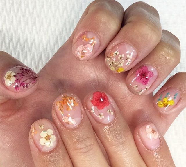 Natural Dried Flower Nail Art with Gel Manicure