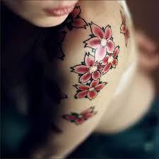 Significado de tatuarse una flor de cerezo o sakura