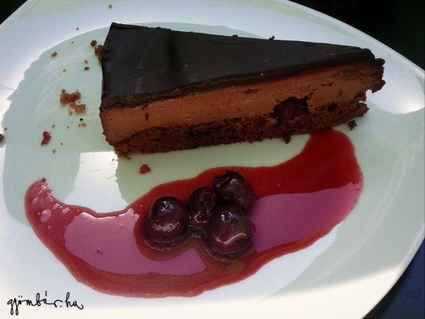Lúdláb torta a NU Bisztronómia Fakultációban - mennyei csokiáradat.