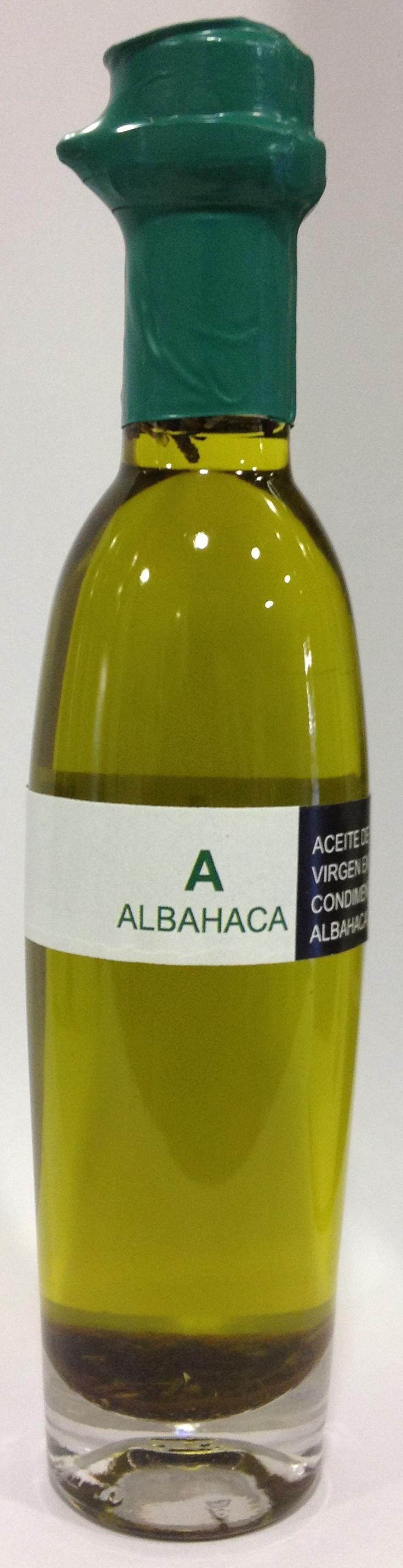 Aceite de oliva virgen extra ecostean con albahaca.