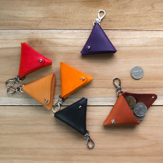 Gleichseitige - handgefertigte Gemüse gegerbte Leder Schlüsselanhänger Dreieck / Münztäschli / coin RS - rot, Orange, lila, tan, schwarz, Mahagoni