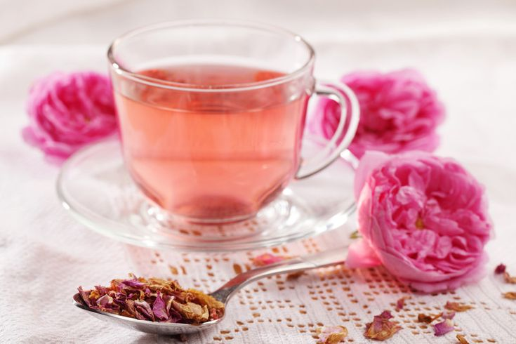 Rose tea is becoming increasingly popular as a drink and it comes with some powerful health benefits. These benefits, along with the taste of the tea, suggest that it is worth trying out for yourself.