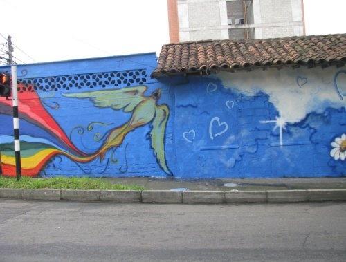 Medellín, Colombia: Students' wall paintings as part of a UNODC awareness programme around human trafficking. // Medellín, Colombia: Murales pintados por estudiantes como parte del programa de conciencia de UNODC encontra la trata de personas.