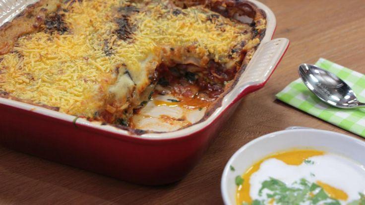 Vegan lasagne met aubergine en spinazie en een wortelsoepje met kokos en koriander | VTM Koken