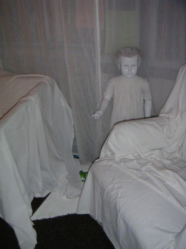 toddler sized dolls (goodwill) spray paint white (or glow in dark) & put in yard, woods, around corner, etc. = creepy!