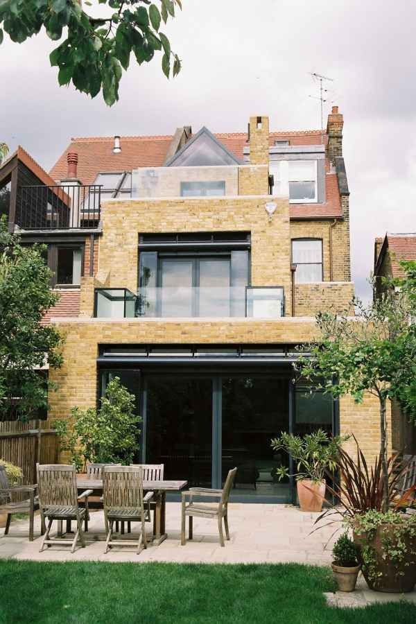 20 Interesting Modern Semi Detached House Rear Extension House Extensions House With Balcony