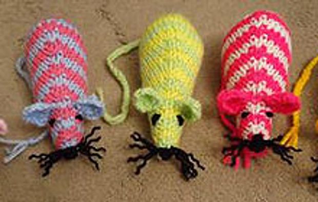 Battersea Dog Coat Knitting Pattern : 17 Best images about kitty crafts on Pinterest Toys, Diy ...
