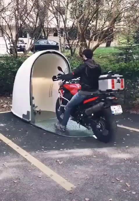 Bike dem - 9GAG