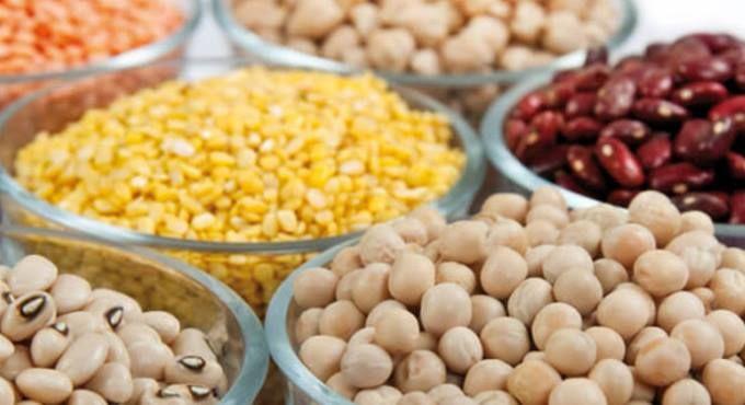 Ο ΠΛΟΥΣΙΟΣ ΚΟΣΜΟΣ ΤΩΝ ΟΣΠΡΙΩΝ  Πλούσια σε φυτικές πρωτεΐνες, θρεπτικά συστατικά και γεύση, τα όσπρια βρίσκονται στη μέση της διατροφική πυραμίδας και κατέχουν μια βασική θέση στο εβδομαδιαίο μενού της μεσογειακής διατροφής. http://goo.gl/3YX24l   #Ξεναγός #Θεσσαλονίκη #Περιοδικό