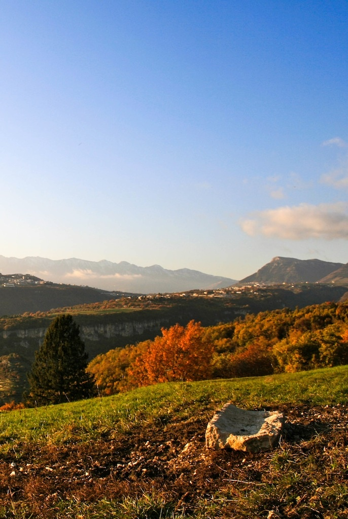 Corno d'Aquilio con Monte Baldo sullo sfondo #Lessinia