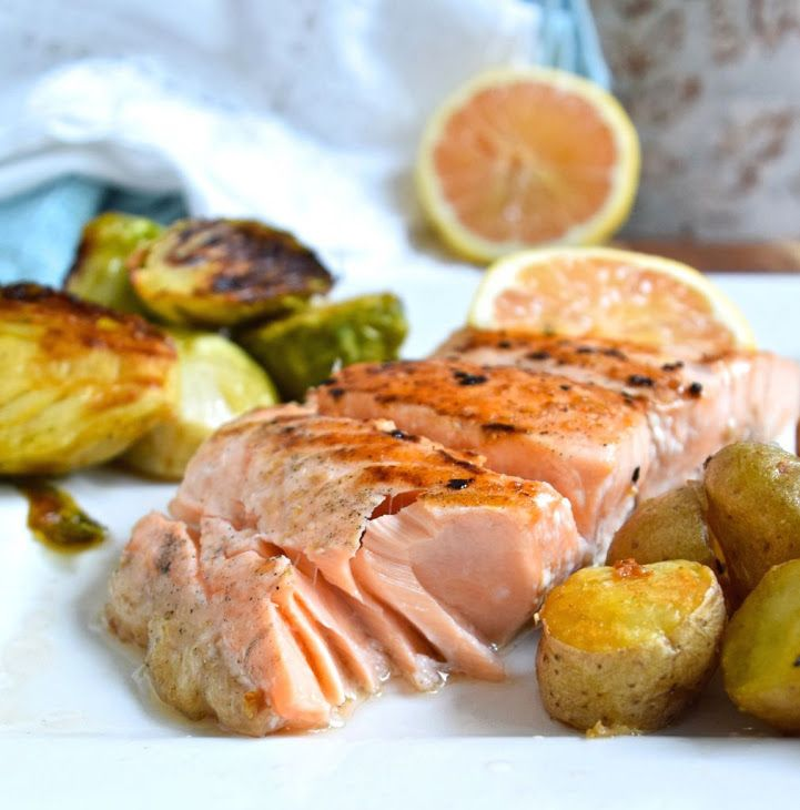 Simple salmon recipe main dishes with salmon fillets sea for Easy fish recipes for dinner