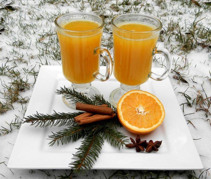 Horký pomeranč v zimě zahřeje a dodá potřebné vitamíny. Na zahřátí super! Autor: Romča