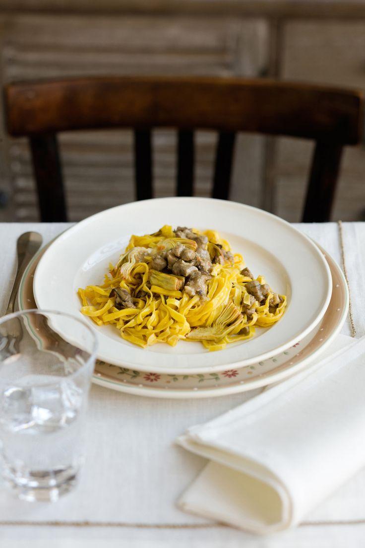 Vuoi scoprire una variante sul tema del ragù? Provalo con l'agnello e i carciofi: leggi la ricetta su Sale&Pepe.