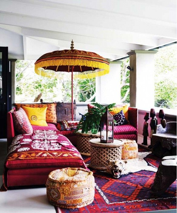 "7 Design ""Mistakes"" That Are Actually Totally Chic//Tropical themed veranda design"
