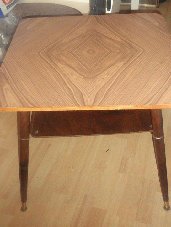 Tafel, jaren '60 model - € 7,50