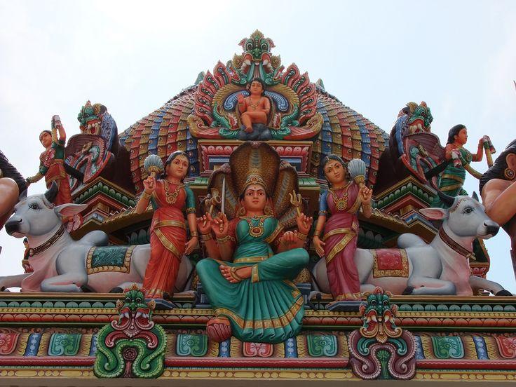 https://flic.kr/p/9bsLRe   Sri Mariamman Temple - Statues
