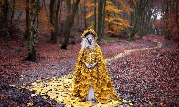 Kirsty Mitchell, la fotógrafa inglesa que sorprende y enamora al mundo con sus creaciones fotográficas