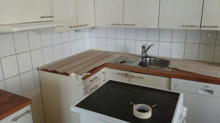 Keittiön välitila ennen mikrosementtiä.