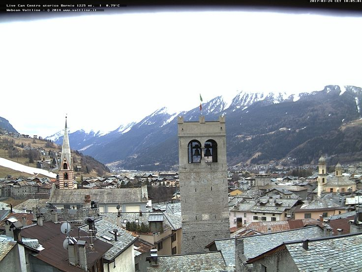 Vista sul centro del paese - Webcam Bormio (SO)